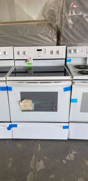 Whirlpool WFE320M0EW electric stove 😱😱😱 OP for Sale in Houston, TX