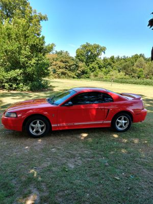 2000 Ford Mustang... 3.8 V-6 Automatic... Ice cold a/c... for Sale in Byron, GA