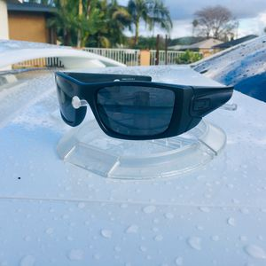 NEW Polarized Oakley Fuelcell With Original Packaging for Sale in La Puente, CA