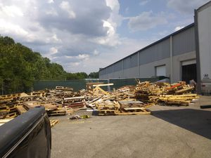 I buy standard pallets of 48 x 40 for Sale in North Chesterfield, VA