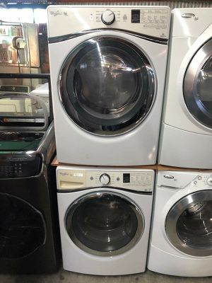 Whirlpool duet washer and dryer for Sale in Corona, CA