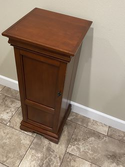 Wooden Media Cabinet for Sale in Puyallup,  WA
