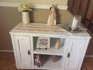 Cute farmhouse TV stand! for Sale in Surprise, AZ
