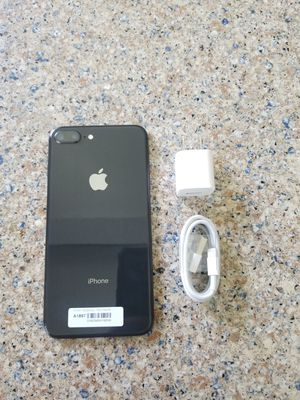 UNLOCKED IPHONE 8 PLUS, 64GB BLACK, PERFECT CONDITIONS !!! PRICE IS FIRM !!! for Sale in Fort Lauderdale, FL
