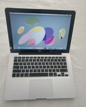 I don't accept Paypal or Cash App, Read first only offer up payment accepted or cash Apple laptops MacBook Pro 13inch 2011, Core i5 2.4ghz 8gb 500gb for Sale in Hermon, ME