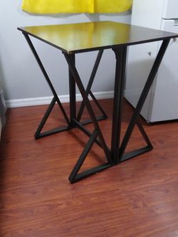 """Dark Brown Top , Size 36 """" Square , Lightly Used for Sale in Altoona,  FL"""