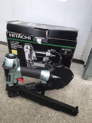 Hitachi Power Tools) 18-Gauge 7/16-in Medium Crown Cap Pneumatic Stapler for Sale in Marysville, WA