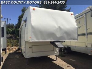 5th wheel 2000 Fleetwood Wilderness 245P for Sale in Lakeside, CA