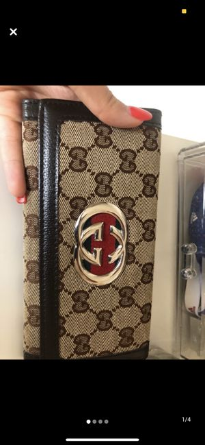 gucci leather wallet for Sale in Las Vegas, NV
