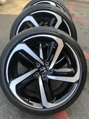 Rims and tires 19x8 5x114 for Honda acord sport civic crv odyssey element for Sale in Santa Ana, CA