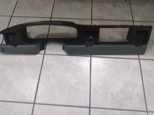 Lincoln Town car wood grain dash board for years of1998 -2002 for Sale in Tampa, FL