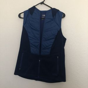New with tag sleeveless The North Face blue sweater vest with hood medium for Sale in Dallas, TX