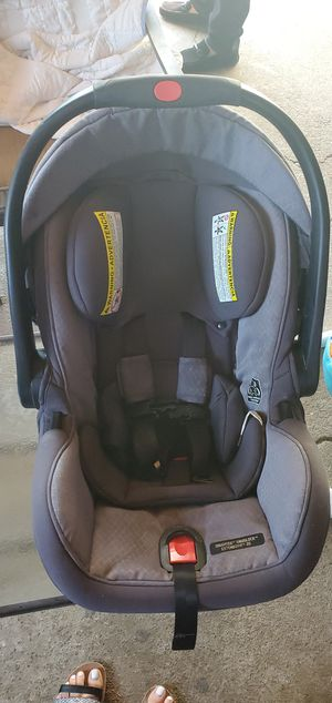 SNUG SL35 EXTEND2FIT GRACO CARSEAT for Sale in Hayward, CA