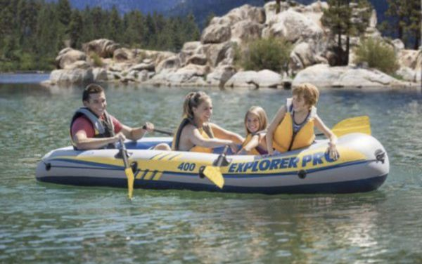 *New In Box* Intex Inflatablew In Box Explorer Pro 400 Four-Person Boat with Oars and Pump