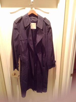 London Fog Raincoat 'M' for Sale in Las Vegas, NV