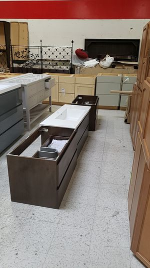 Kitchen cabinets for Sale in Marysville, WA