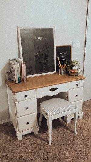 Farmhouse desk w/ stool for Sale in Plant City, FL