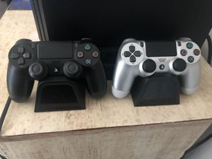 PS4 w/extra controller for Sale in Castro Valley, CA