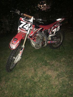 Honda crf 450r dirt bike for Sale in Columbus, OH