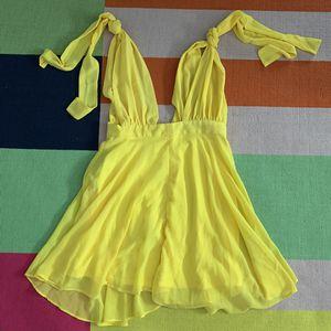 Yellow dress - mini dress - women's clothing - size medium for Sale in Gilbert, AZ
