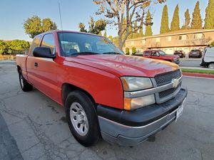 2005 Chevrolet Silverado Clean Title V6 RWD for Sale in Los Angeles, CA