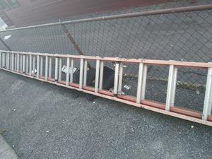 40' fiberglass extension ladder for Sale in Everett, MA