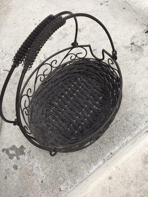 Kitchen Basket for Sale in Huntington Park, CA