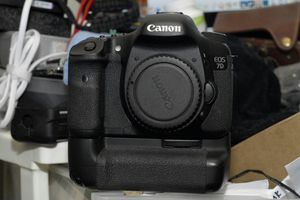 Canon 7D Body and Grip for Sale in Haledon, NJ
