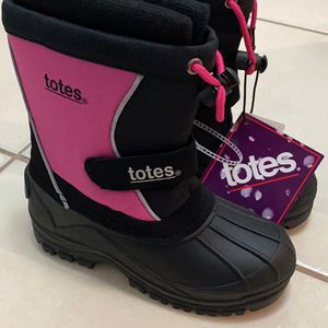 GIRLS TOTES WINTER BOOTS - size 13 for Sale in Hollywood, FL
