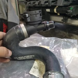 Radiater hose mercedes benz part number 22250142 for Sale in Lake in the Hills, IL