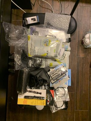 Canon/Nikon Essential Deluxe lens kit for Sale in Queens, NY