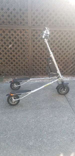 Trikke 36V Pon-e Electric Scooter Barely Used for Sale in San Francisco, CA