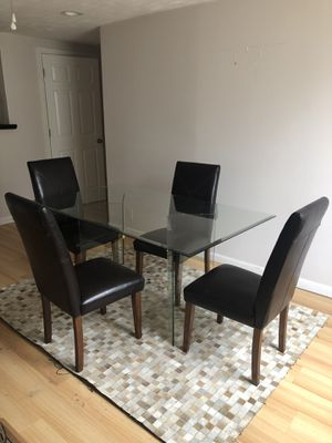 Glass Table Dining Set w/ Chairs for Sale in Cleveland, OH