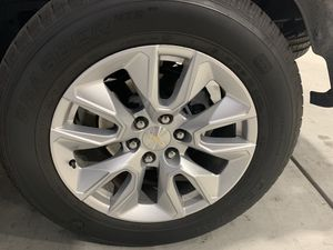 Stock Chevy 20 Inch Rims & Tires for Sale in Madera, CA