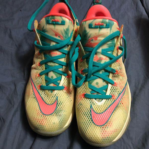 Nike Lebron XII Low PRM men's size 9.5