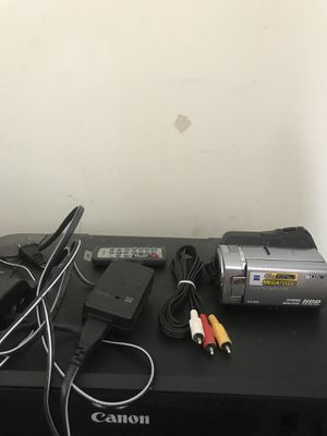 Camera Sony 60 GB HYBID MEGA PIXEL HDD DCR-SR85 Camera include Vedic work for 41 hour for Sale in Nashville, TN