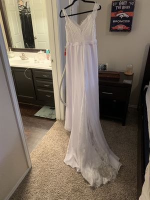 NEW Wedding dress size 6-8 for Sale in Plano, TX