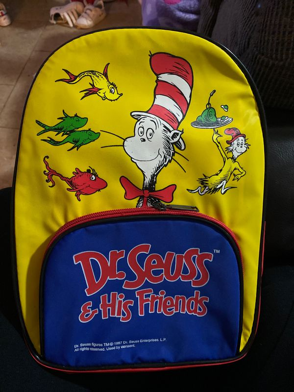 Backpack and 6 dr Seuss books