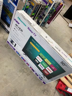 Hisense roku 50 inch tv 😎😎😎😎 21YV8 for Sale in Corona, CA