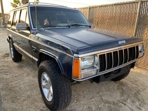 1992 Jeep Cherokee XJ 4x4 for Sale in Desert Hot Springs, CA