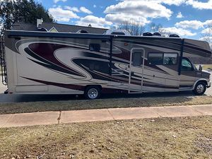 2014 Coachmen RV 33ft Motorhome. Leprechaun for Sale in Middletown, CT