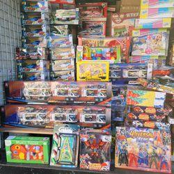 JUGUETES POR MAYOREO NUEVOS for Sale in South Gate,  CA