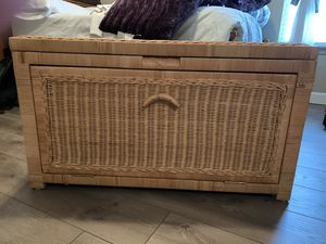 Wicker Trunk for Sale in Columbia, MO