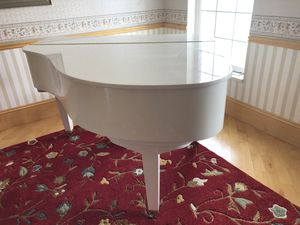 White Kawai Baby Grand Piano in Pristine Condition! for Sale in Riverton, UT