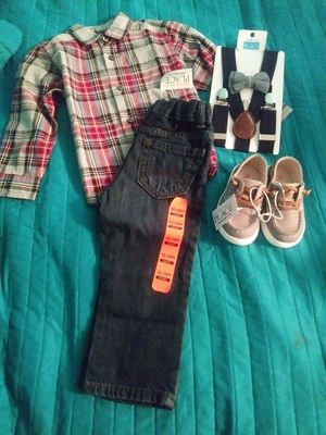 Really cute baby clothes and shoes clothes size 12 months and shoes size 4 for Sale in Hesperia, CA