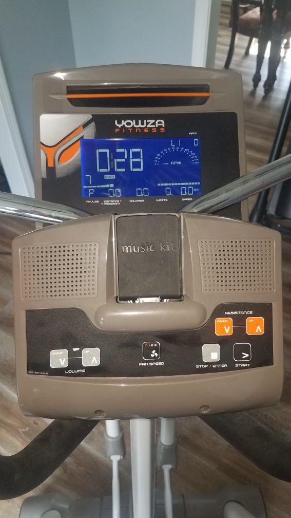 Elliptical Yowza Sanibel Machine
