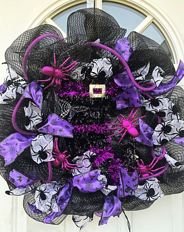Lighted Halloween Witches Boot Wreath