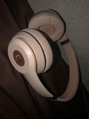 Rose gold beats headphones for Sale in Manchester, CT