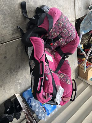 Girl car seat for Sale in Harrisonburg, VA