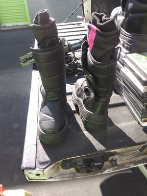 Snow boots for Sale in Las Vegas, NV